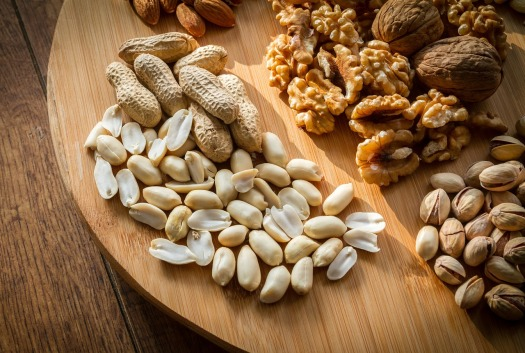 nuts_plate_1517960105